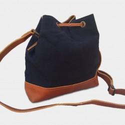 """Photo de Les sacs à bandoulière sac seau \\""""Florida\\"""" chez L instant Cuir"""